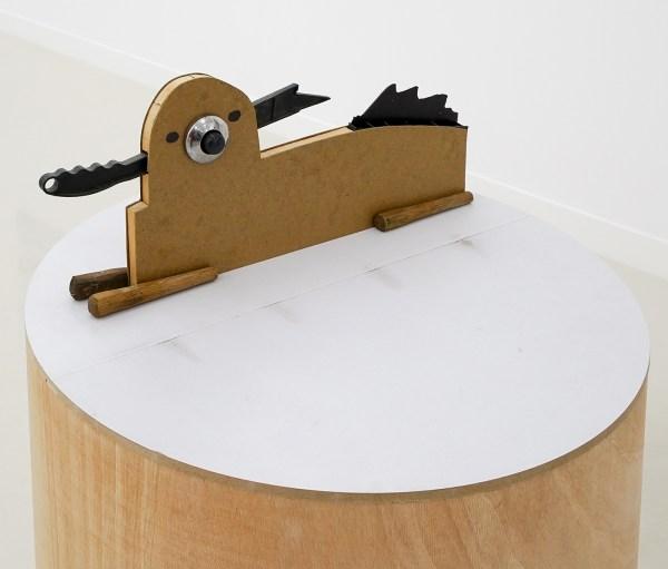 Emo Verkerk - Tsjip - 28x63x7cm Kunststof, verchroomd ijzer, ijzer, hout en hardboard