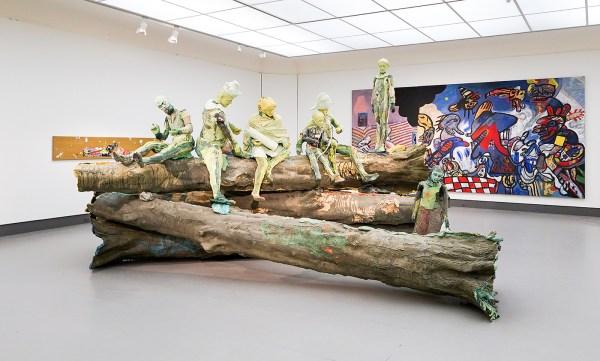 Folkert de Jong - Seht der Mench, The Shooting Lesson - Styrofoam en gekleurd polyurethaan foam - Rabo Kunstcollectie