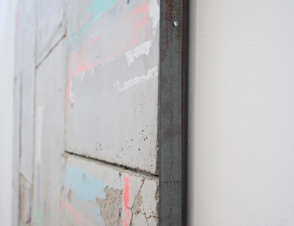 Bram Braam - The Flow of Present - 200x220x3cm, Beton, spuitbus, staal en hout (detail)