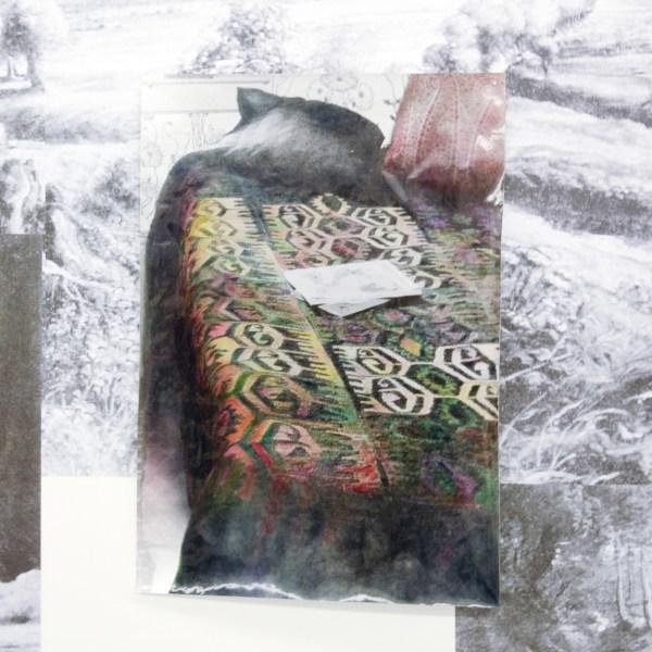 Alexandra Leykauf - Bedroom in Mrs Elliott's home - 130x90cm Gekleurde zilver gelatine print