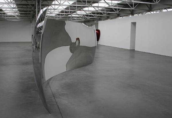 Anish Kapoor - S-Curve - Roestvrij staal