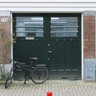Iets minder dan een jaar geleden waren deOpen Studio's bij het HISK te Gent. Daar vielen me een aantal kunstenaars op waaronderPaulien Föllings(1984). Ze presenteerde daar een installatie waarbij sculpturen […]