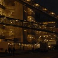 Art Rotterdam verhuisde van de Cruise Terminal naar de van Nelle fabriek. Minder ver fietsen van het station maar verder weg van andere kunstzinnigheden zoals de musea. Dat is geen […]