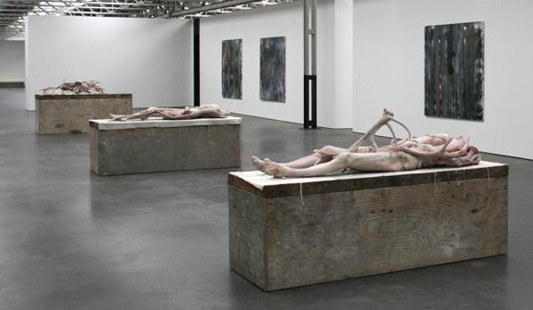 Berlinde de Bruyckere - Liggende I & Liggende II & Actaeon - Wax, epoxyhars, ijzer, hout, katoen en wol
