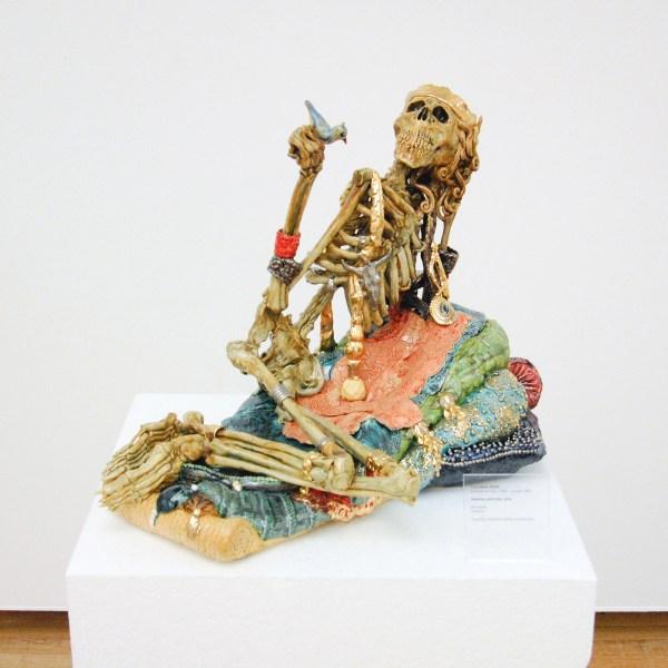 Carolein Smit - Skeleton with Bird - Keramiek, 2014