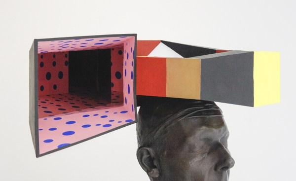 Charles Avery - Untitled (L Escargot Quadrato) - 70x49x40cm Karton, brons, nikkel, koper, acrylverf, gouache en LED (detail)