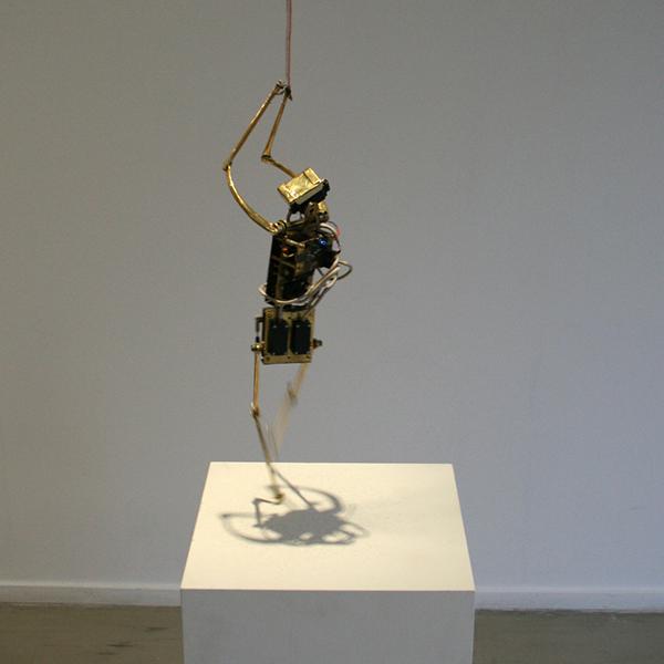 Christiaan Zwanikken - Fallen Angel - 6x22x6cm Koper, servos en electronica