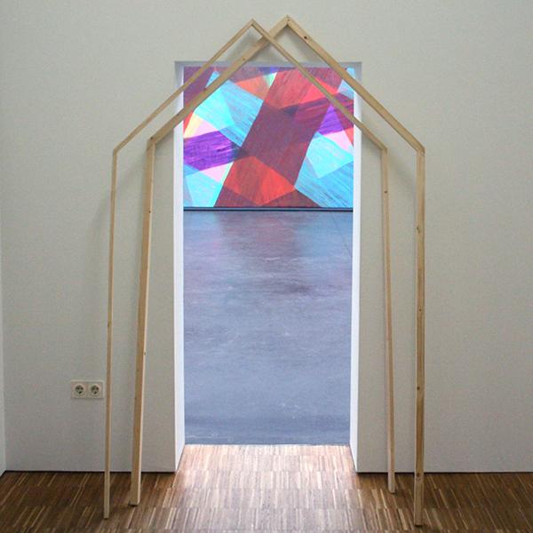 Danny Foolen - Met de deur in huis vallen - hout