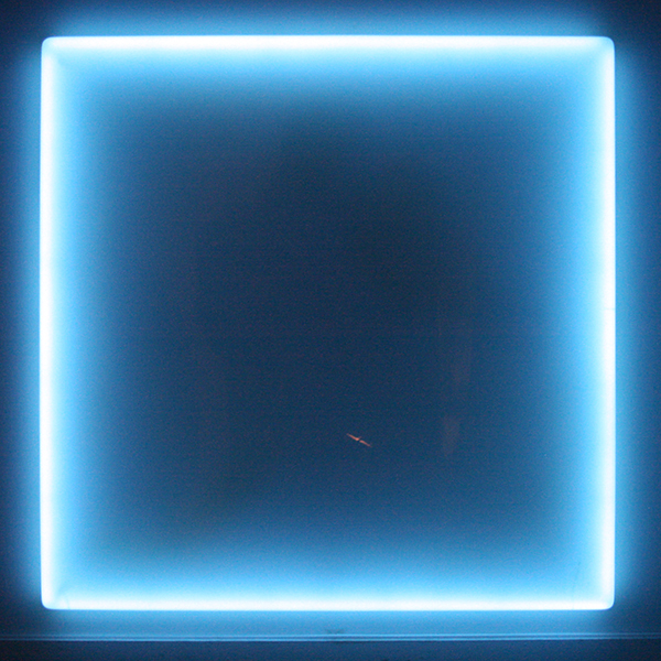 Douglas Wheeler - Light Incasement - Neon en Plexiglas