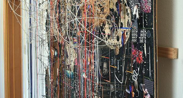 Elliot Hundley - 204x156cm Let the Whole House Crash, Season IV - Hout, inkjet, papier, metaal, foto's, plastic glas en textiel (detail)