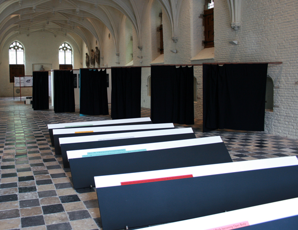 Falke Pisano - Obstacles 1-6 - Hout & Structure for Repetition (not representation) - Installatie sculptuur