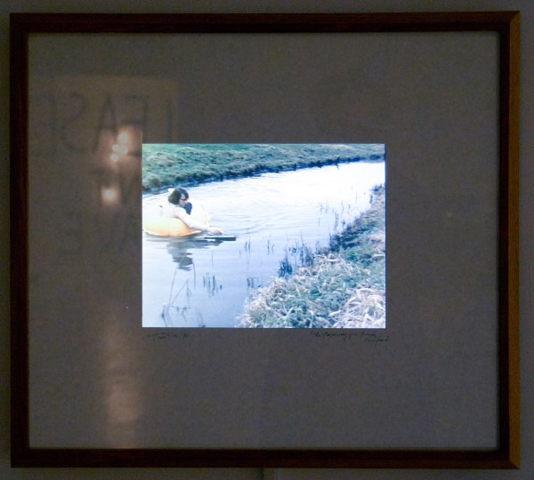 Ger van Elk - The Flattening of the Brook's Surface - 56x62cm 15inch LCD scherm, 1972