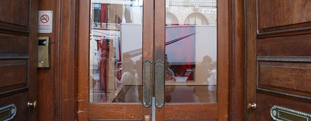 Een van de meest opmerkelijke galerien die ik bezocht heb in Londen is toch zeker deze Hauser & Wirth. Deze is namelijk gevestigd in een monumentaal oud bankgebouw. Hier is […]