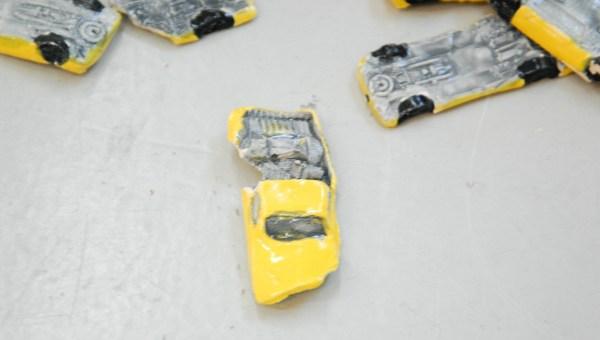 Hilde Onis - 673 Toy Cars - 150x100x250cm Keramiek, hout en mixed media (detail)