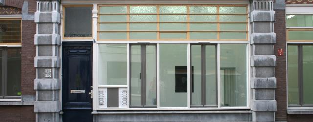 Vanavond opening om 8 uur bij Kunstpodium T te Tilburgmet kunstenaarsgesprekken over autonomie in de kunst. Gerelateerd