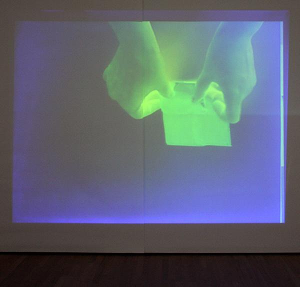 Joelle Tuerlinckx - A Stretch Museum Scale 1,1, Een voorstel voor het Bonnefantenmuseum, Tentoonstellingszaal 1 - Diverse materialen 2003