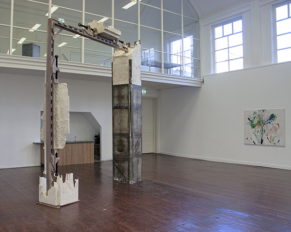 Jonas Wijtenburg - 400x400x75cm Hout, gips en metaal 2013