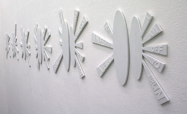 Karin van Pinxteren - In Conversation with Clae - Hout, karton en acrylverf