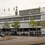 Vandaag opende de nieuwe kunstbeurs Amsterdam Art Fair. Wim van Krimpen (voormalig directeur Kunsthal en oprichter KunstRai) vond het tijd voor een nieuwe beurs in de hoofdstad met internationale oriëntatie. […]
