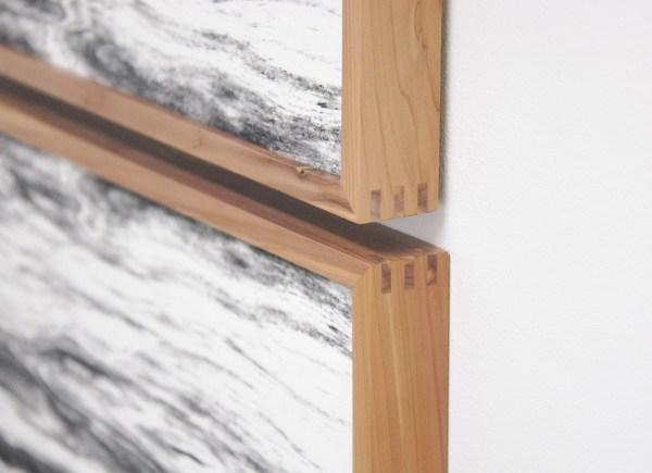 Lisa Oppenheim - Landschape Portraits (Red Cedar) (Version I) - 64x68cm per deel, Vier gelatine fotogrammen in unieke lijsten (detail)