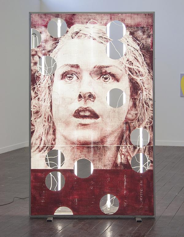 Marcel Berlanger - Enseigne Méduse - 260x160x18cm, Aluminium lichtbox, neons en olieverf op glasvezel (voorzijde)