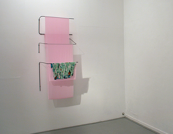 Marianne Hamersma - Zonder Titel - Metaal, acrylverf en synthetische stof