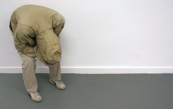 Noe Sendas - Unrest - Polyesterhars, kleren en schoenen