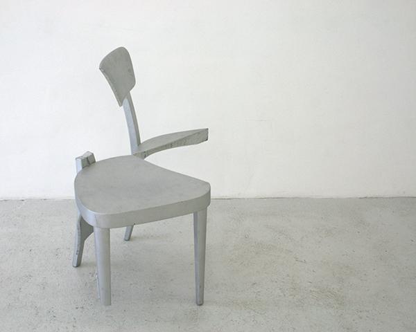 Pieter Engels - Repaired Chair - Houten stoel en verf
