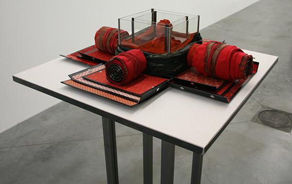 Ricardo Brey - Obra en Rojo - 18x75x75cm Mixed Media