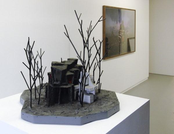Rob Voerman - Aftermath - 76x86x87cm Brons, ijzer, epoxy en glas