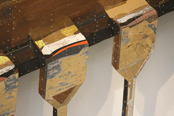 Ron van der Ende - P4004 - 196x145x15cm Houtrelief (detail)