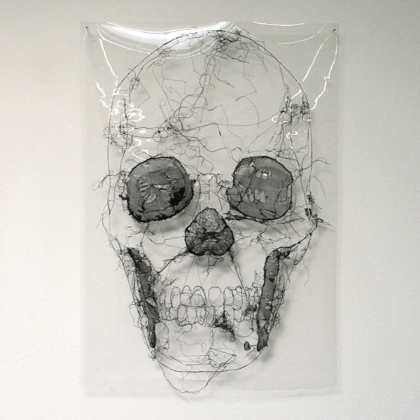 Saminte Ekeland - Outer Dark (Maria Larcerda de Moura) - 84x59cm Borduursel en tekning op plastic