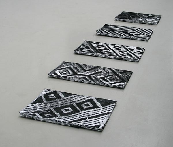 Vincent Vulsma - Tufted Cloths (S1016) - 38x56cm, 36x61cm, 35x68cm, 44x64cm, 35x69cm Jacquard stof, 5 delen