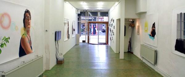 Ik was onlangs in Groningen voor de afstudeer expositie en bezocht net als het jaar ervoor ook galerie van Tsjalling Venema. Op dit moment toont Tsjalling het werk van Jans […]