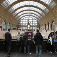 Op dinsdag zijn bijna alle musea dicht in Parijs. Veel ervan zijn overigens op maandag gewoon open. Een van de musea die wel op dinsdag open is is Museé d'Orsay. […]