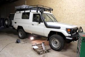 LOST TRACK Reiseblog Toyota Land Cruiser HZJ 78 Sitepipe Seitenauspuff Tourfactory Weltreise Vorbereitungen