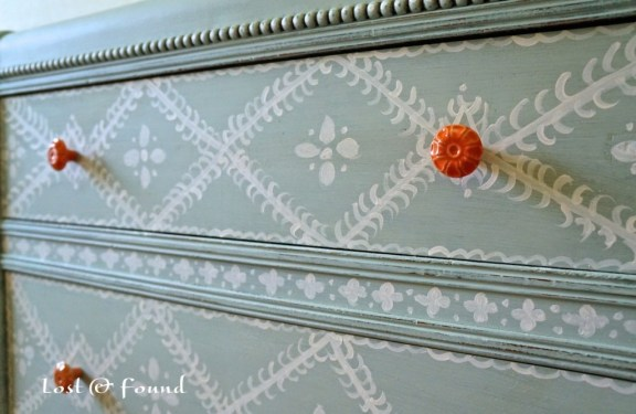 Painting-Furniture-with-Annie-Sloan-Chalk-Paint-7