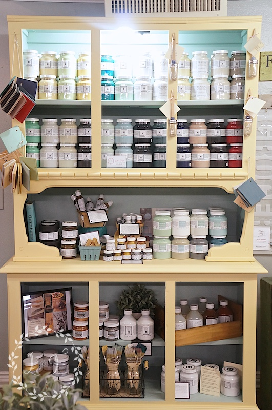 booth paint display 2