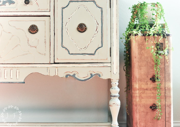 fusion-mineral-paint-antique-buffet-2