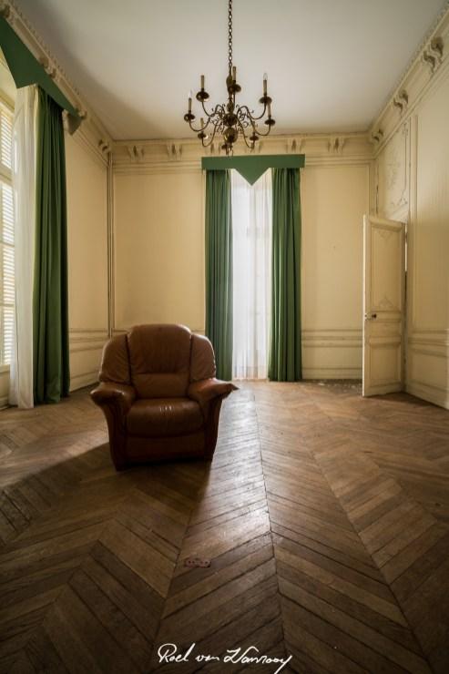 Chateau Sarco Urbex-10.jpg