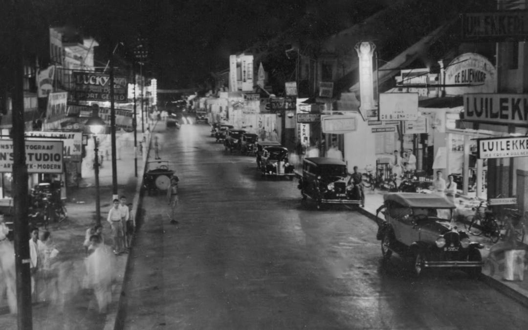 Pasar Baru at night 1941