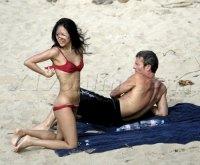 zhangziyi-topless-beach