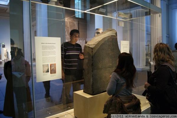Piedra Rosetta. Museo Británico La piedra que nos permitió descifrar los jeroglíficos.