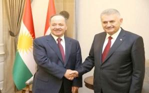 Barzanî, ala Kurdî hilda banî