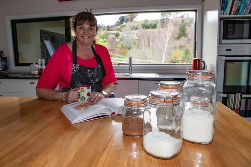 Rachael Dawson - Lots Of Baking Mixes