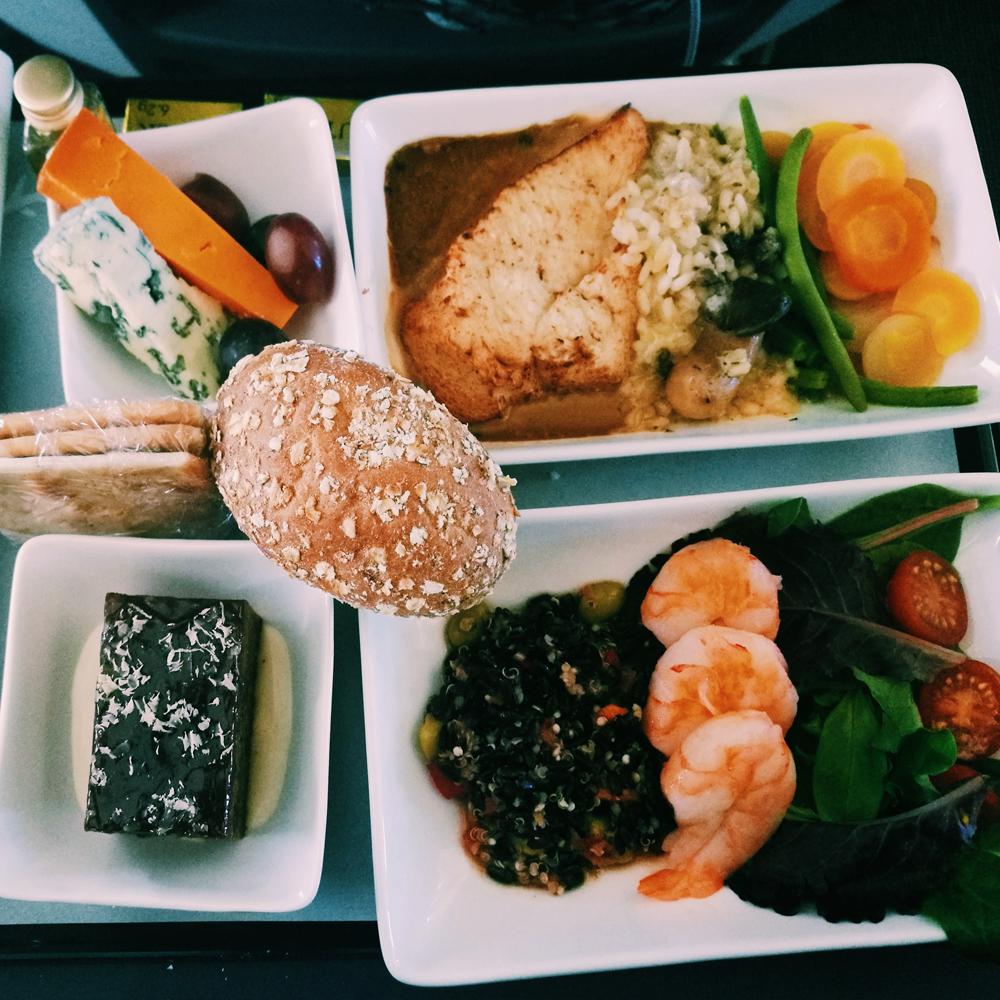 Primera Air plane food