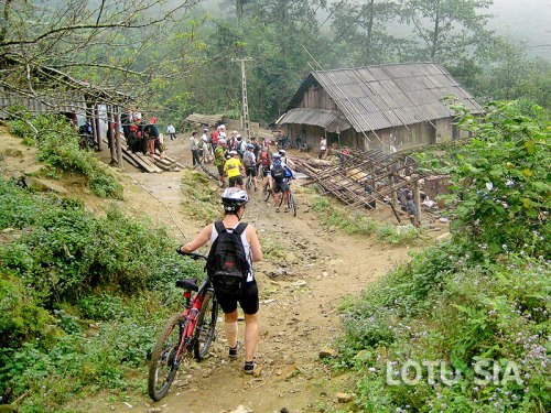 2 Day Cycling Sapa to Lai Chau Hill Tribe Villages