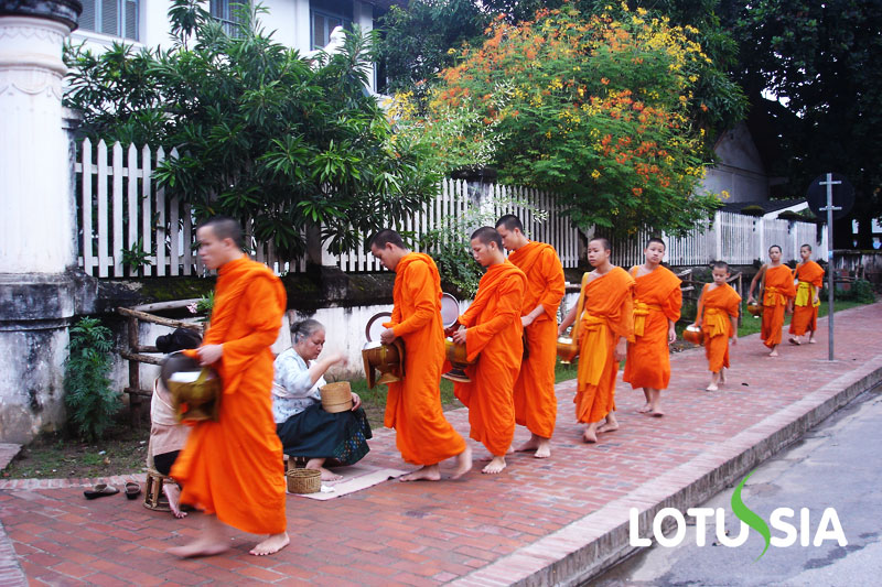 Laos 9 Days Tour Package