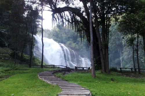 Doi Inthanon National Park Tour in Rainy Season