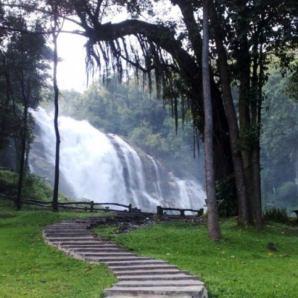 Doi Inthanon National Park Tour in Dry Season
